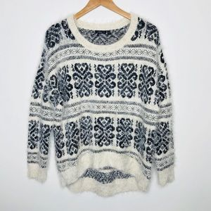 Dex Fuzzy Sweater Size Large